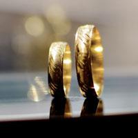 金色の指輪
